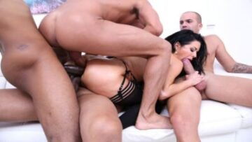 Veronica Avluv insane anal fucking with DP, DAP, DVP & triple penetration