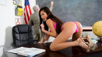 Vina Sky - Sucking At School